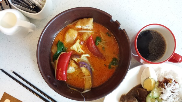 Curry Laksa at Gobo Chit Chat's breakfast buffet, Traders Hotel KL