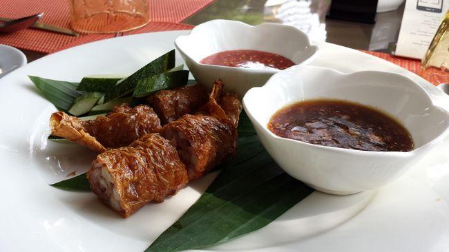 How to Make Chicken Lorbak (Loh Bak)