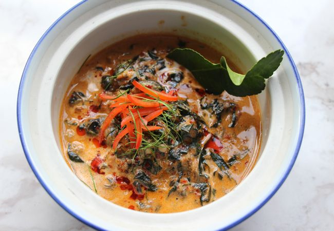 How to Cook Chiang Mai Snail Curry