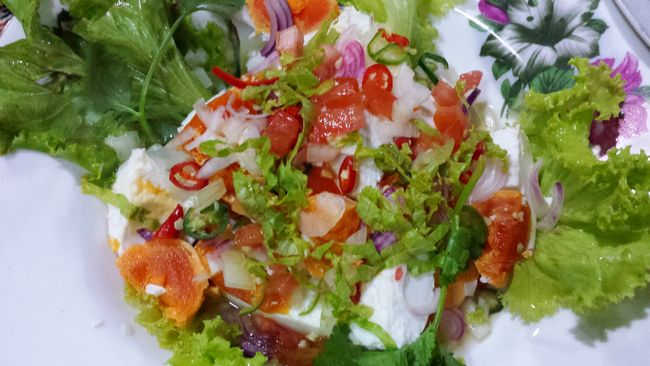 Salad with salted egg