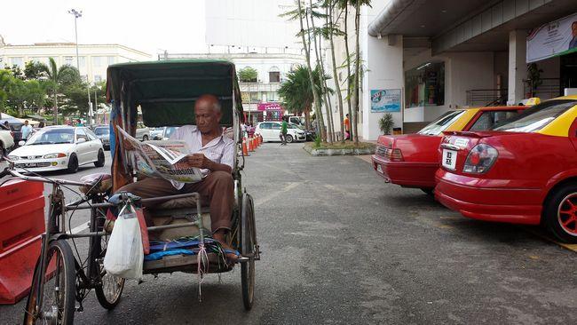 Trishaw man outside Pasar Siti Khadijah