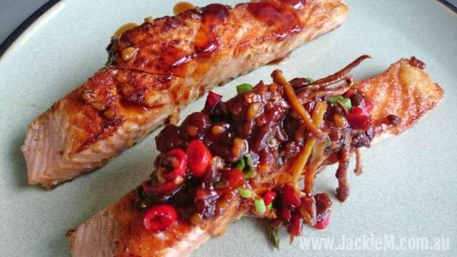 How to Cook Pan-fried Salmon with Soya Bean Sauce