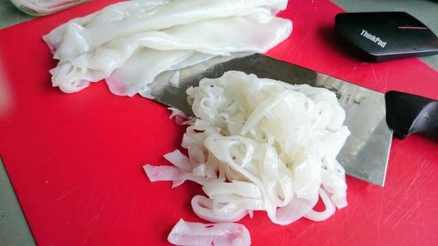 How to Make Fresh Rice Noodles (Hor Fun)