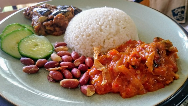 How to Cook Vegan Nasi Lemak