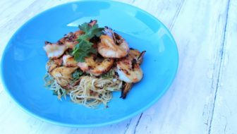 How to Cook Vietnamese Barbecue Prawns with Papaya Salad – Asian BBQ Series
