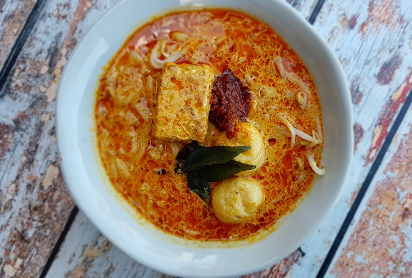 How to Make Curry Laksa (aka Curry Mee) - Cooking Class ...