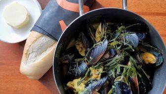 How to Cook Creamy Turmeric Mussels (Masak Lemak)