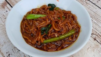 How to Make KL Hokkien Mee With Homemade Noodles