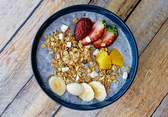 How to Make Vegan Blue Smoothie Bowl