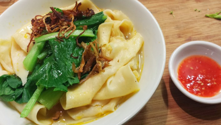 How to Make Hakka Pan Mee