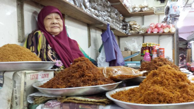 """Kelantan is also famous for its serunding ie. meat floss - I asked this lady if I could take a pic before snapping this photo; she replied with a cheeky roll of her eyes - """"Just a photo? I thought you were going to buy something"""". I love the sassiness of Kelantanese women."""