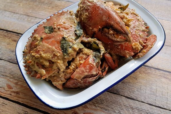 How to Cook Crab with Salted Egg Yolk Sauce – Chinese New Year Recipe
