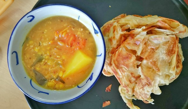 How to Make Roti Canai and Vegetarian Dip