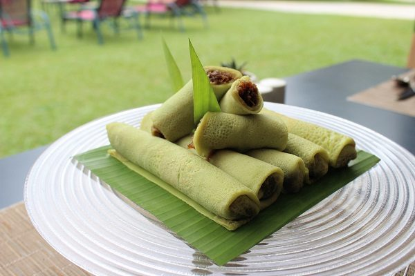 How to Make Kuih Ketayap (Coconut-Filled Crepes)