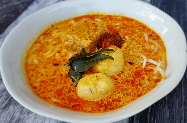 How to Make Curry Laksa (aka Curry Mee) – Cooking Class Recipe
