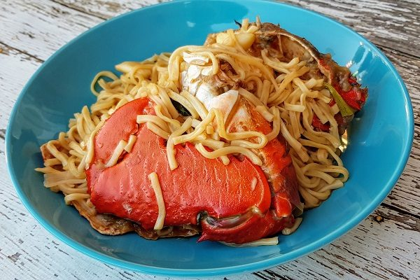 How to Cook Crab with Yee Meen Noodles
