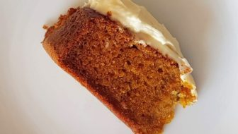 How to Make An Easy Nut-Free Carrot Cake