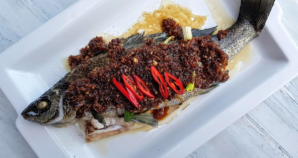How to Cook Steamed Fish with Choy Poh (Preserved Radish)