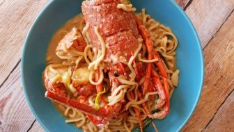 How to Cook Lobster Yee Mein