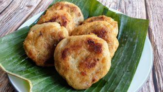 How To Make Vegan Spicy Sweet Potato Dumplings (Cucur Badak)