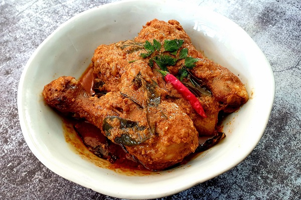 How To Cook Pandan Chicken Curry & Pandan Rice