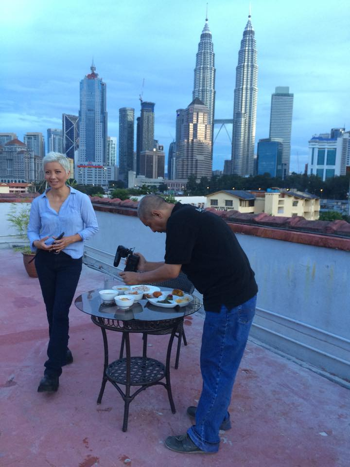 Pak Teh reveals his extraordinary filming skills at Bagasta's rooftop